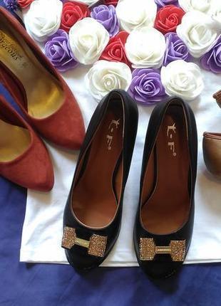 Туфли лодочки фирменные5 фото