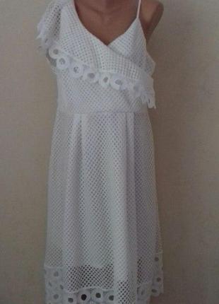 Шикарное кружевное платье большого размера