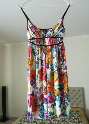 Яркий легкий сарафан/платье