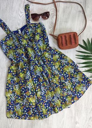 Шифоновый яркий сарафан - платье в цветочек bershka с пышной юбкой