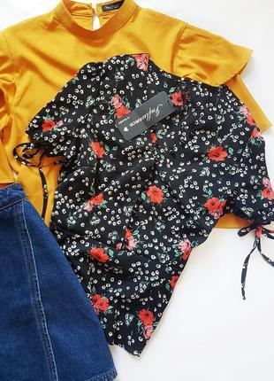 Актуальная блуза на пугрвках в цветочный принт ( сток )