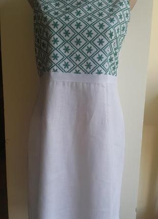 Новое летнее стильное модное льняное белоснежное платье moddison с вышитым рисунком