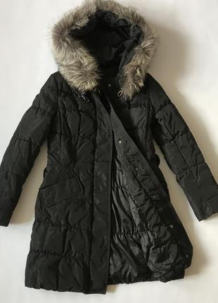 Clasna зимнее стеганное пальто пуховик с опушкой и капюшоном, с-м