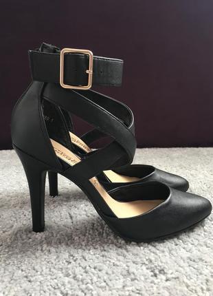 Черные туфли на каблуках new look | чорні туфлі на каблуках new look