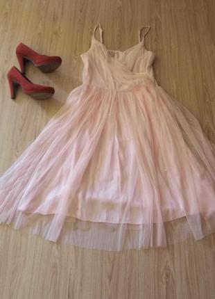 Праздничное, стильное платье,фатин ,нежно -розового цвета