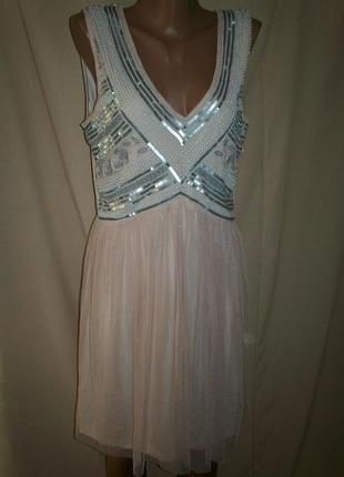 Красивое платье boohoo р-р16,