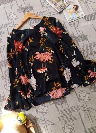 Роскошная блуза с цветами!размер 12-14