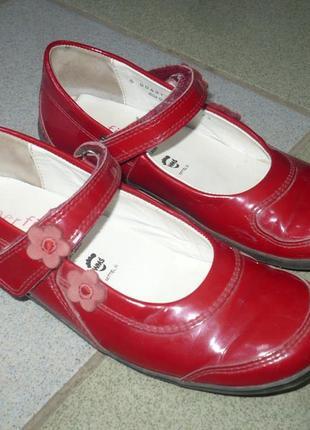 Туфли красные кожаные superfit 32р. стелька 21,5 см