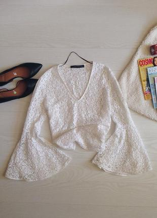 Кружевная блуза с расклешенными рукавами zara