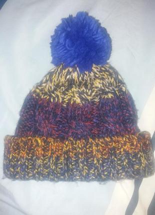 Крутая вязаная шапка