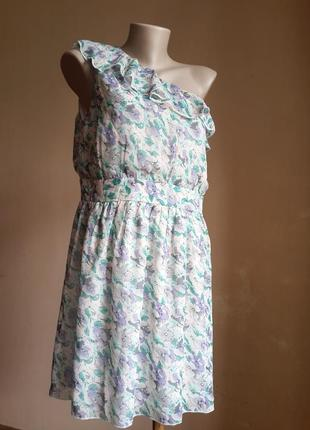 Нежное платье принт boohoo британия