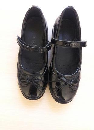 Школьные туфли  geox  30 размер