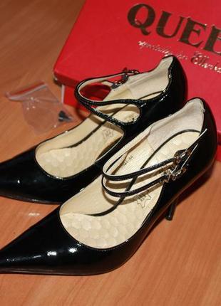 Шикарные актуальные туфли queen, лакированная кожа! острый носок модный в этом сезоне.