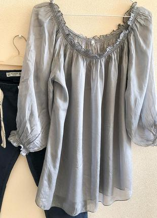Нарядная полупрозрачная   блузка с открытыми плечами