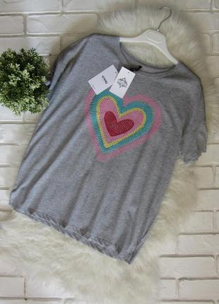 Закрытие магазина! крутая свободная футболка с имитацией вышивки sinsay