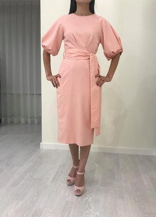 Нарядное платье  из тонкого жакарда с поясом