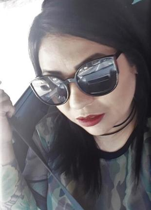 Черные глянцевые солнцезащитные очки кошачий глаз
