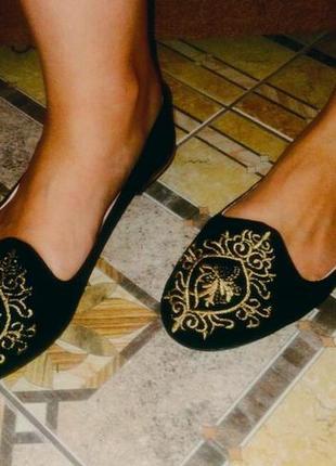 Чёрные балетки лоферы с золотой вышивкой р.36