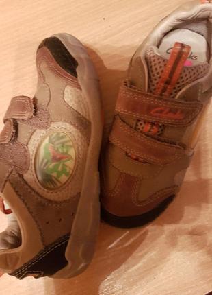 Кожаные туфли кроссовочки clarks