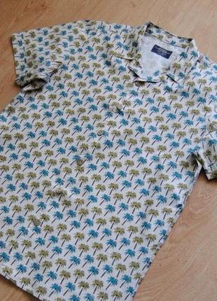Рубашках с коротким рукавом — шведка в пальмы с интересным воротником от pull&bear