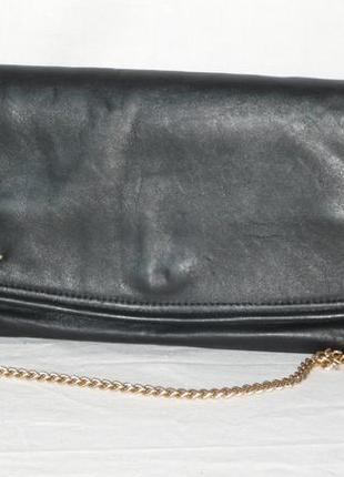 Вместительный кожаный клатч сумка на цепочке