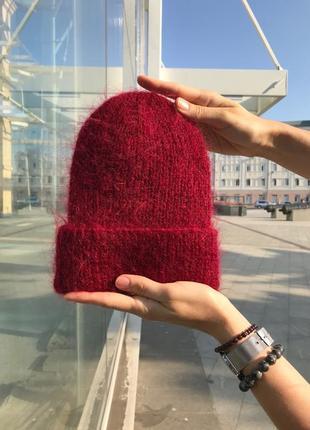 Объемная бордовая  шапка с отворотом