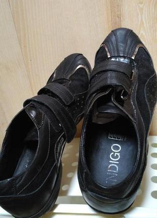 Черные кожаные кроссовки на липучках на широкую ногу
