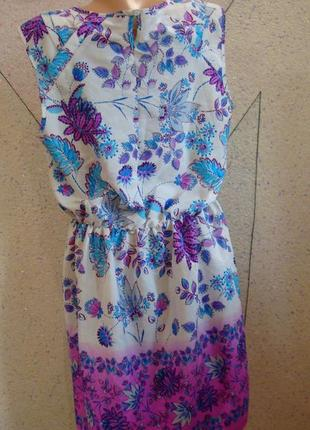 Красивое платье в цветы. размер 14-182