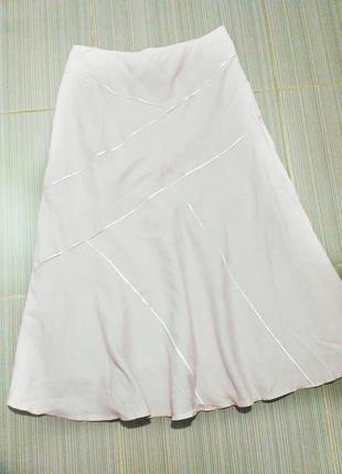 Нюдовая юбка цвета пудры миди