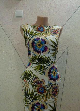 Натуральное платье с баской в цветочную поляну. размер 8-12