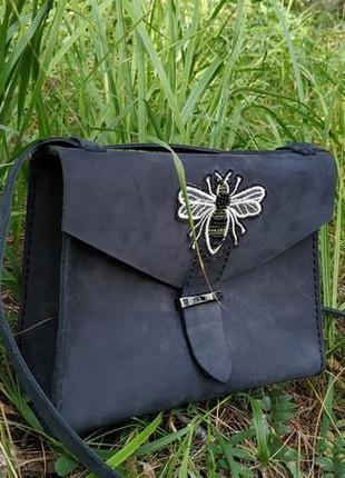 Кожаная женская сумочка ручной работы с пчелой