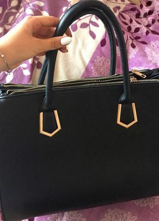 Чорна класична сумка