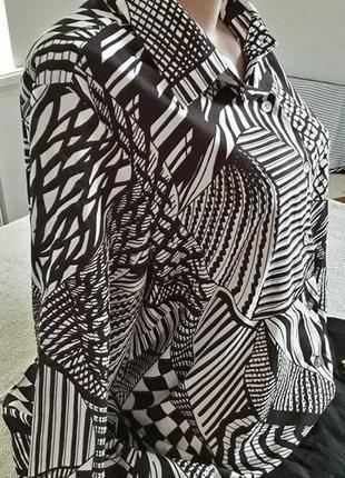 Шоколадно-белая блуза- рубашка 50-54р
