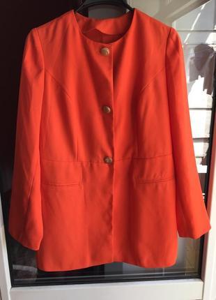 Пиджак-жакет морковного цвета