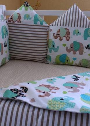 Комплект в кроватку, с бортиками на  4  стороны+ постель