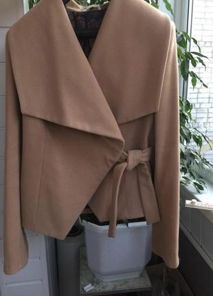 Пальто на запах bebless большой размер