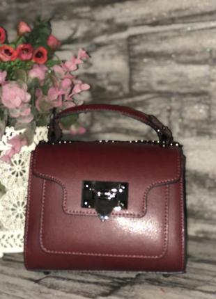 Небольшая кожаная сумочка. италия.