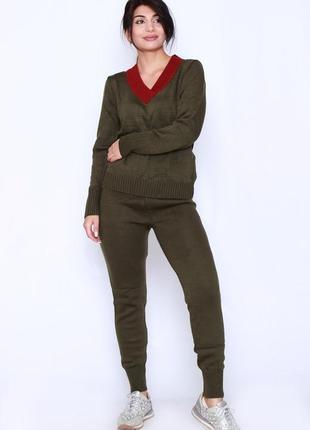 Трикотажный спортивный костюм цвета хаки из плотной вязки