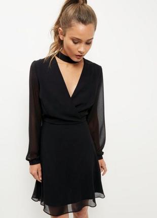 Стильное платье с чокером new look