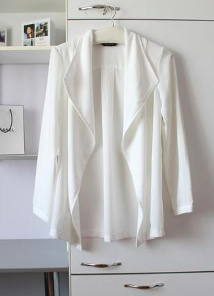 Очень красивый молочный пиджак от dorothy perkins