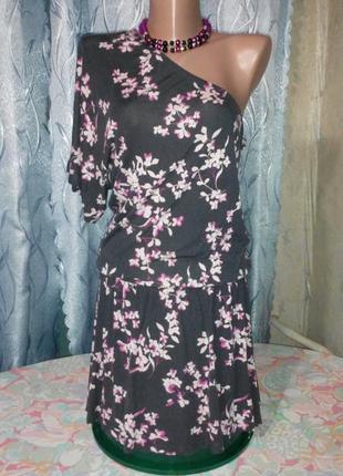 Платье-туника на одно плече