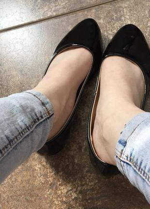 Лаковые балетки на ногу 22 см