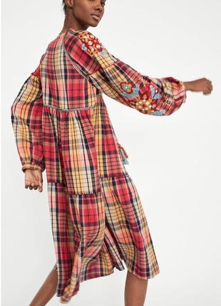 Шикарное миди платье вышиванка от zara