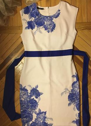 Нарядное платье molegi