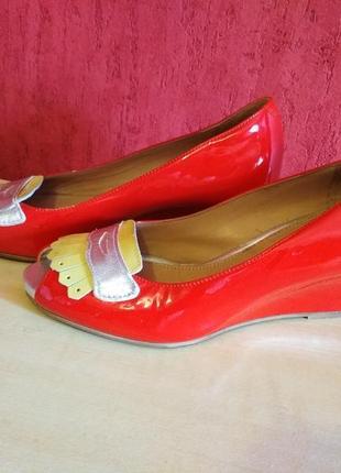 Кожаные шикарные туфельки. стелька 23.5см