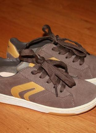 Стильные замшевые туфли geox размер 31