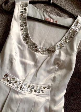 Шикарное атласное нарядное/вечернее летнее платье атлас миди для беременной серебрянное
