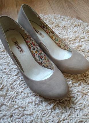Фирменные туфли на каблуке jumex