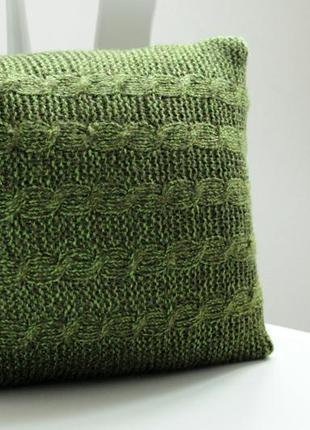 Вязаная подушка хаки