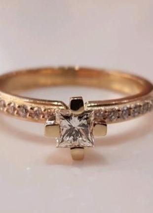 Золотое кольцо 585 проба бриллианты .размер 18.5